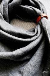 Model Berlin scarf